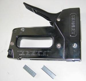 Механический строительный степлер