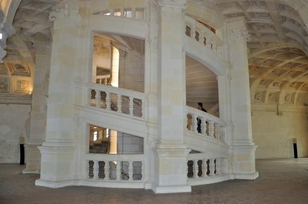 Двойная винтовая лестница, сделанная по чертежам Леонардо. Замок Шамбор