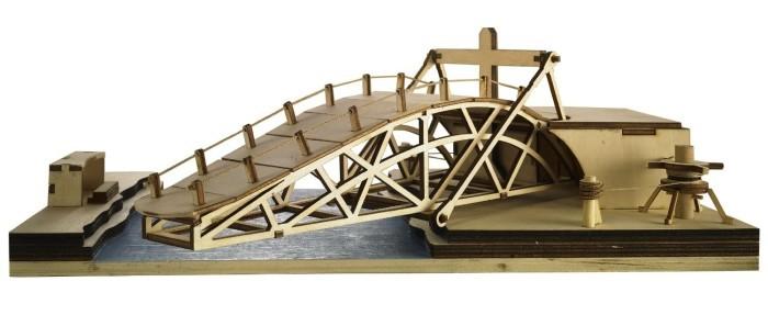 Модель поворотного моаста Леонардо да Винчи