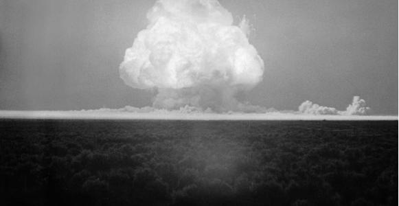 Как изобрели бомбу: самую первую, водородную и атомную?